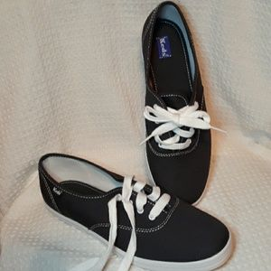 BRAND NEW KEDS athletic shoes blue white size 8
